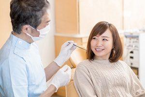 歯医者に来た女性